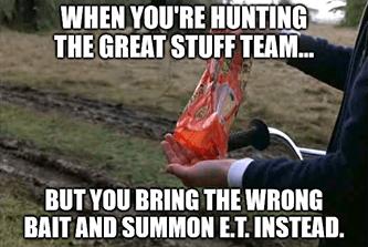 Hunting GS team summon E.T. instead meme